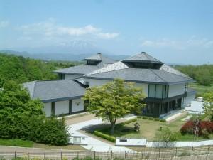 先人記念館外観
